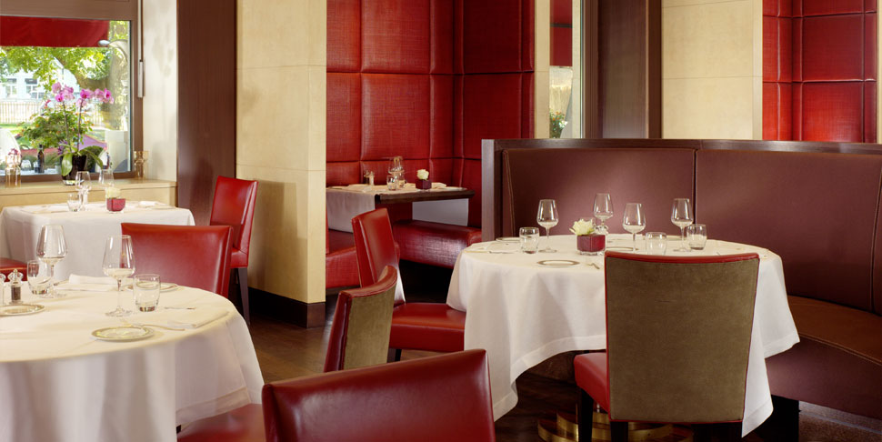Le richemond dorchester collection hotels style for Le richemond le jardin