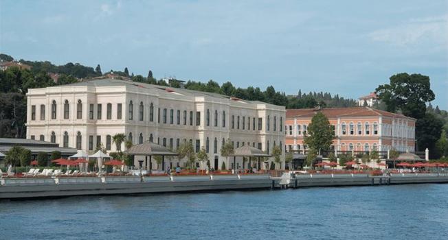 Istanbul / Four Seasons Hotel Istanbul at the Bosphorus