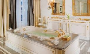 Paris / Four Seasons Hotel George V Paris