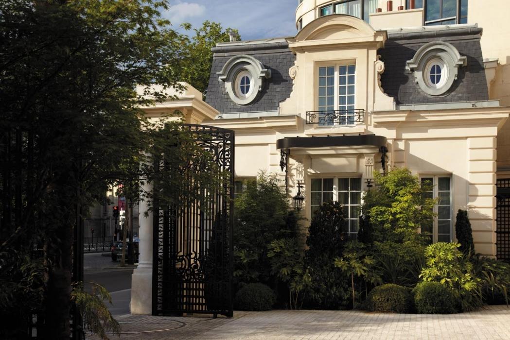 Paris / Shangri-La