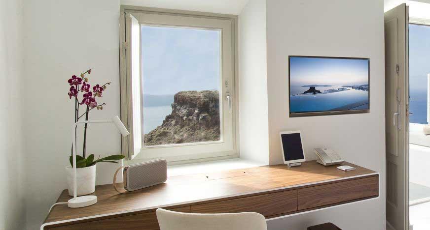 Santorini / Grace Santorini