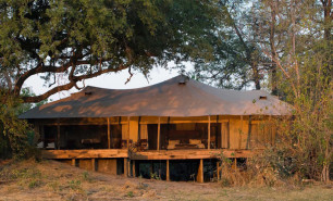 http://hotelsandstyle.com/wp-content/uploads/ngg_featured/africa-zarafa-camp-2-306x185.jpg