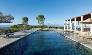 http://hotelsandstyle.com/wp-content/uploads/ngg_featured/amanzoe-agios-panteleimonas-20-306x185.jpg
