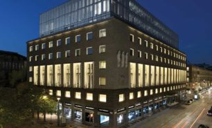 http://hotelsandstyle.com/wp-content/uploads/ngg_featured/milan-armani-hotel-milano-13-306x185.jpg