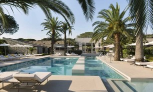 http://hotelsandstyle.com/wp-content/uploads/ngg_featured/saint-tropez-hotel-sezz-1-306x185.jpg