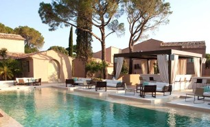 http://hotelsandstyle.com/wp-content/uploads/ngg_featured/saint-tropez-muse-hotel-ramatuelle-15-306x185.jpg